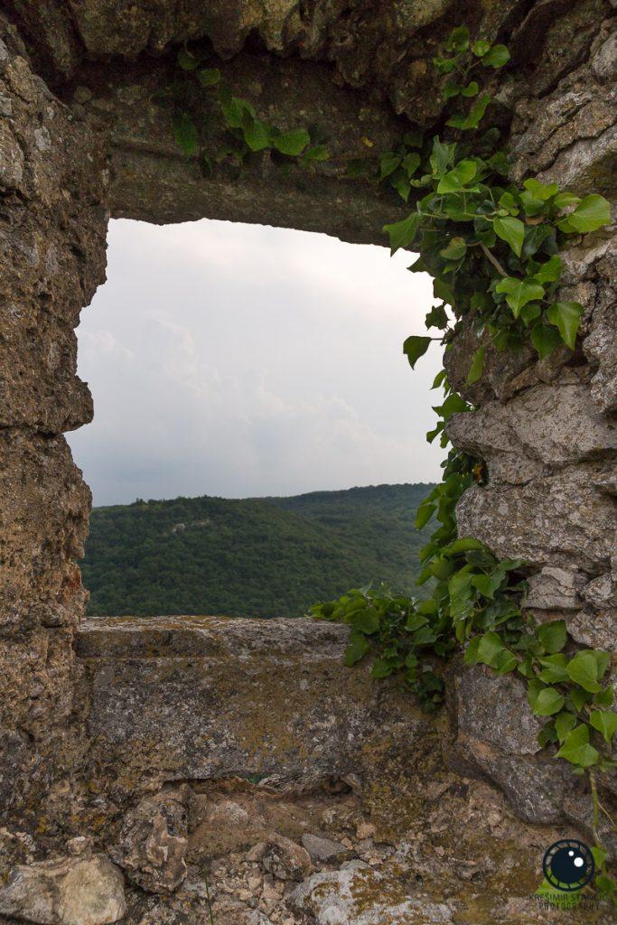 Pogled na pećinu Čeren